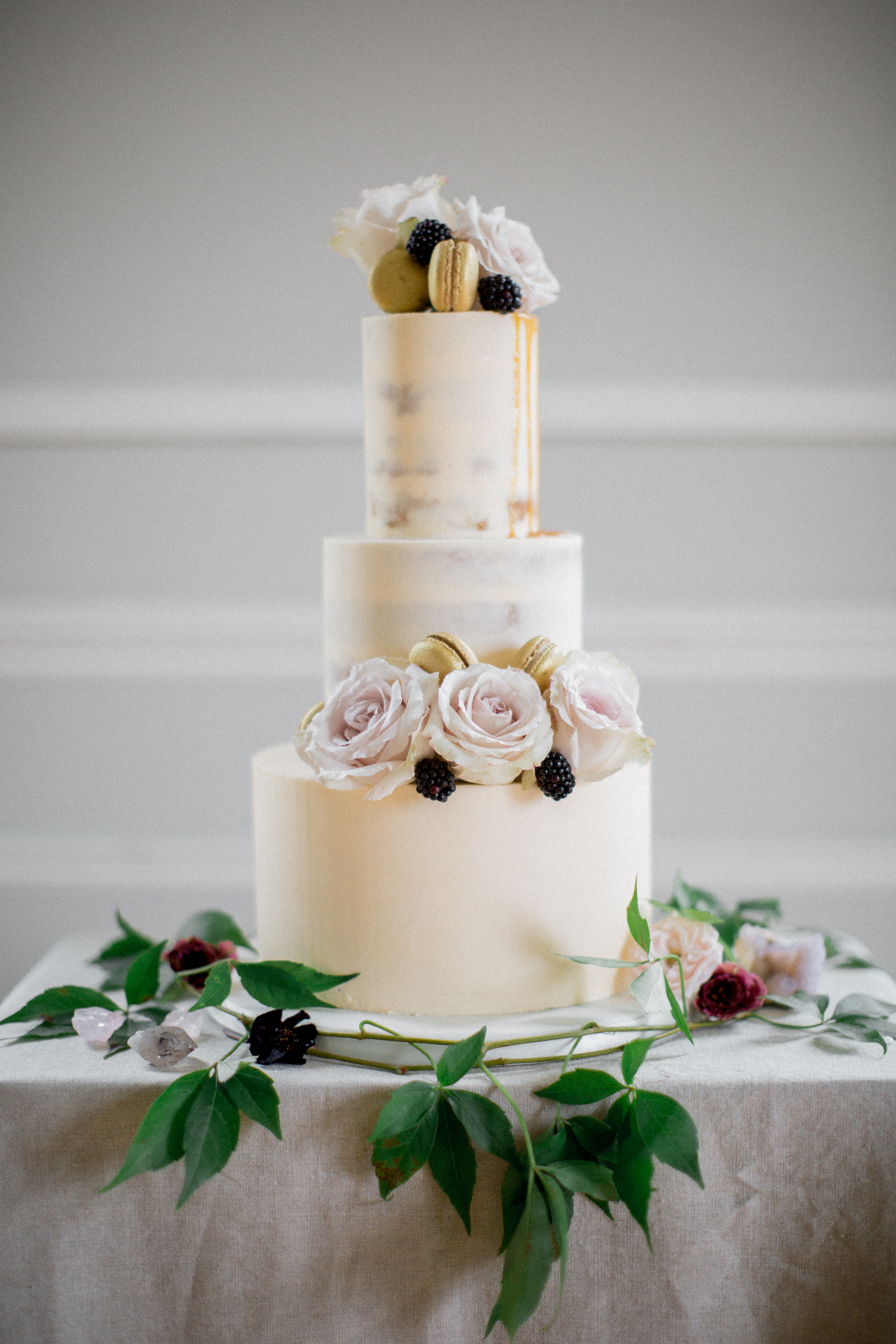 Cove Cake Design // bespoke Wedding Cakes // Dublin