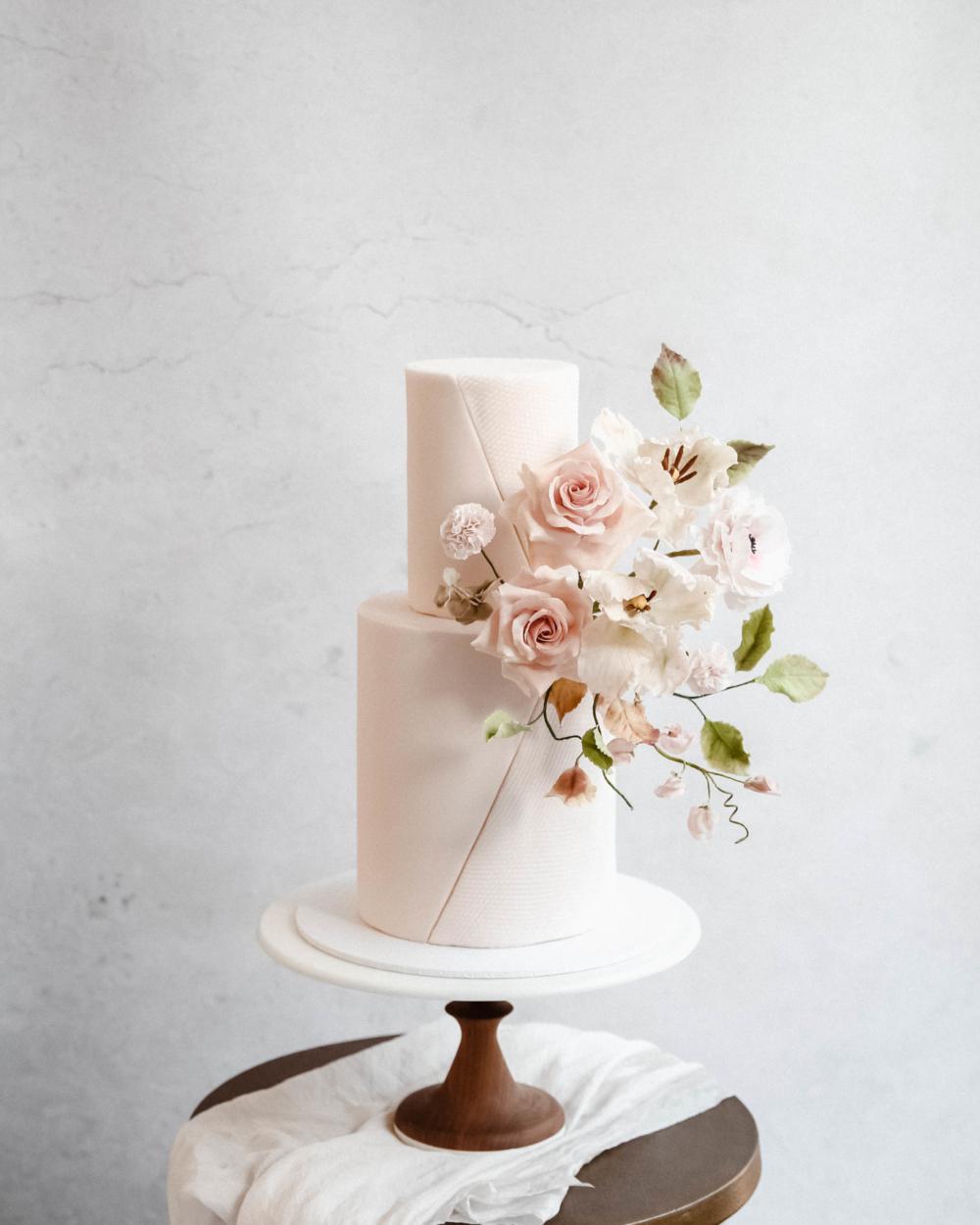 Spring Sugar Flowers Cove Cake Design