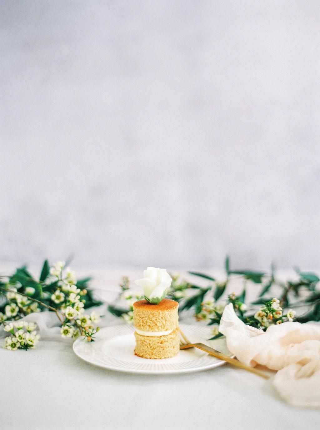 Mini white mocha cake Cove Cake Desig