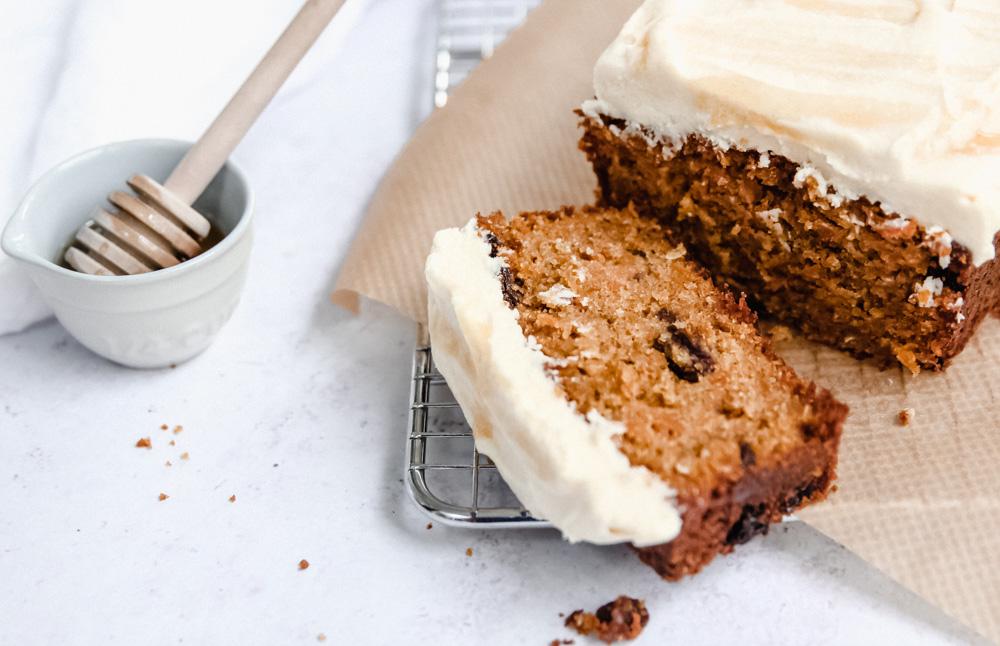 Carrot cardamom loaf cake slice